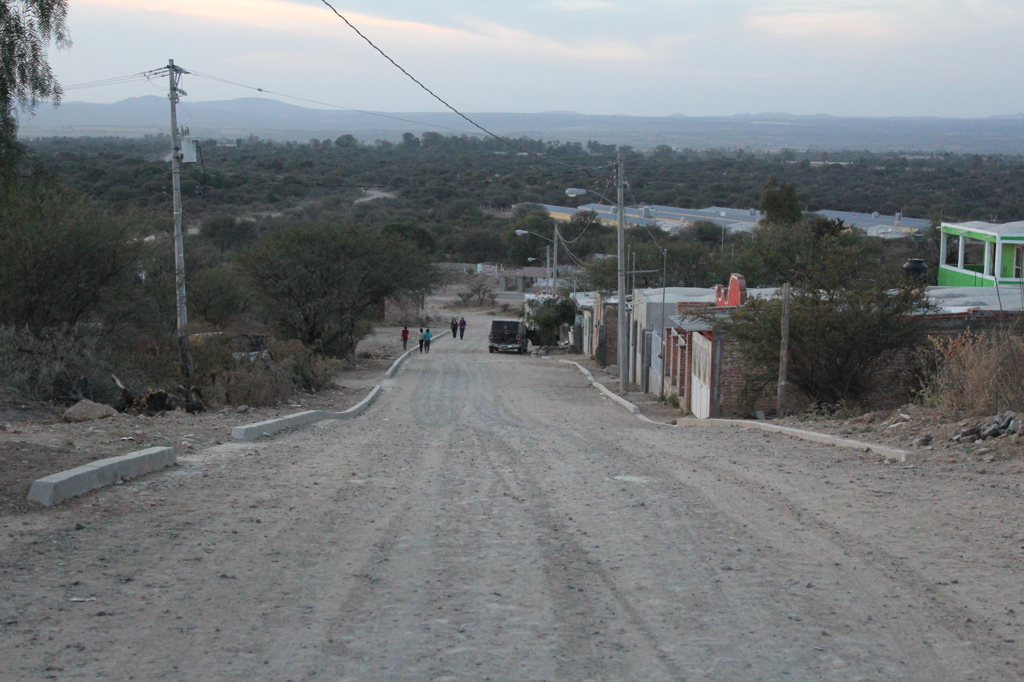 Así luce el empedrado en la comunidad del Maguey