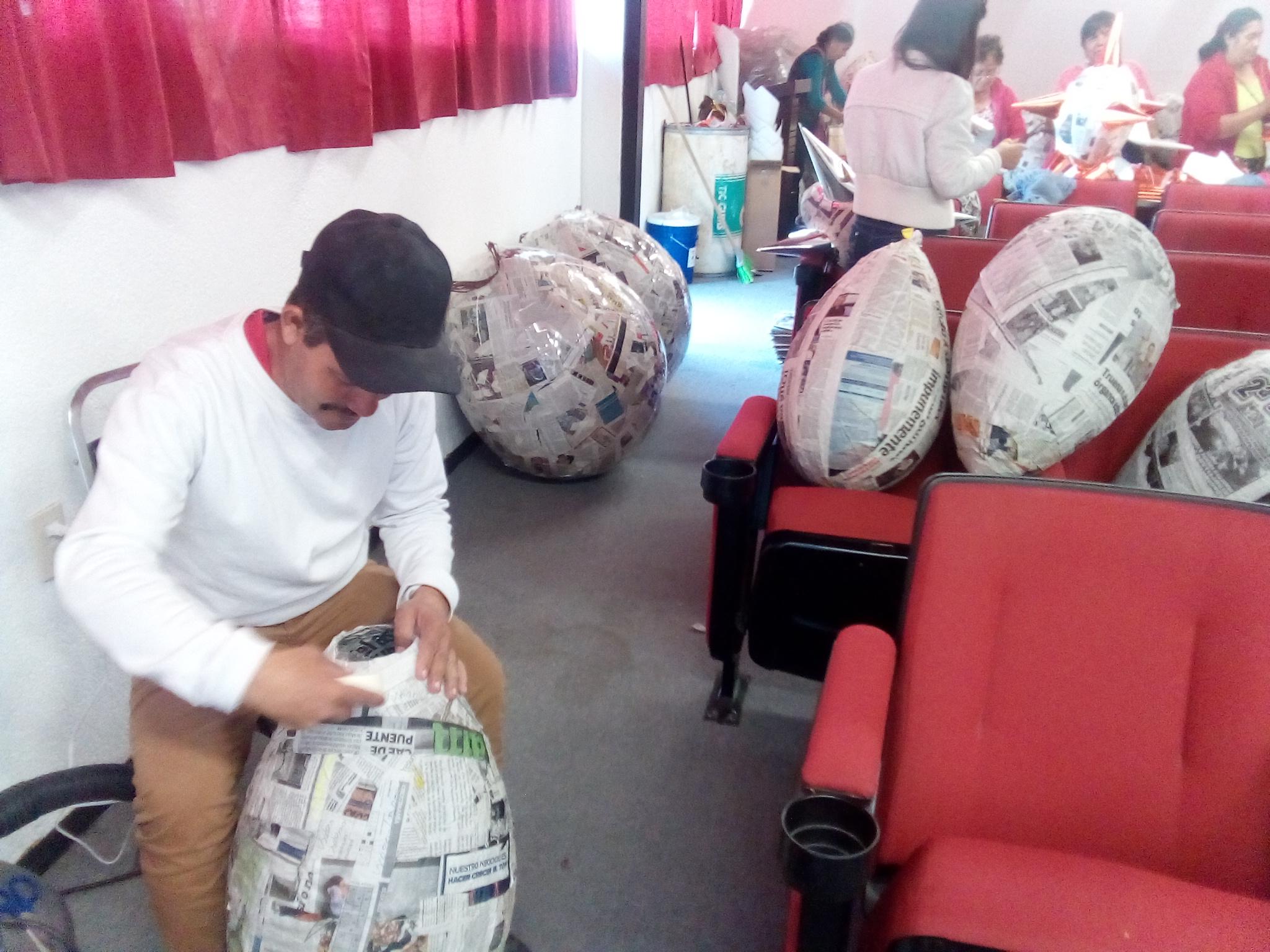 Photo of DIF Lagos inicia venta de piñatas tradicionales en la Plaza Cívica