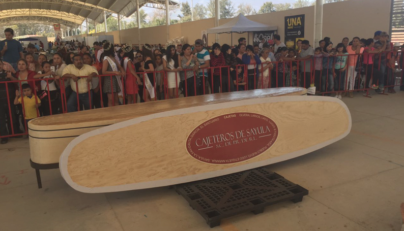 Photo of Sayula entra al Record Guinness con la cajeta más grande del mundo
