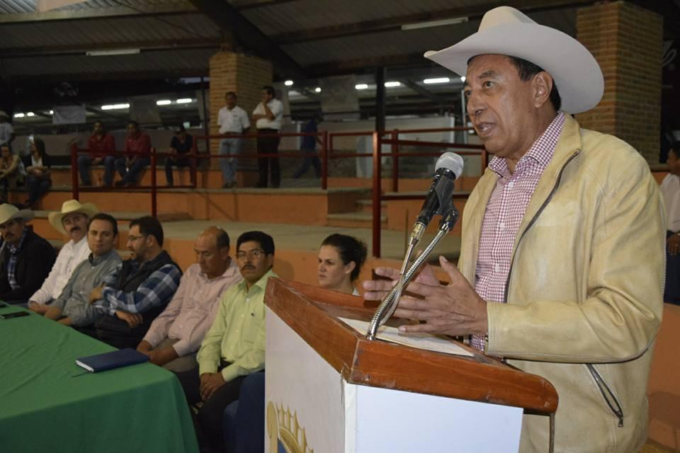 Photo of Inaugura Héctor Padilla Expo de Ganado Holstein en Lagos de Moreno