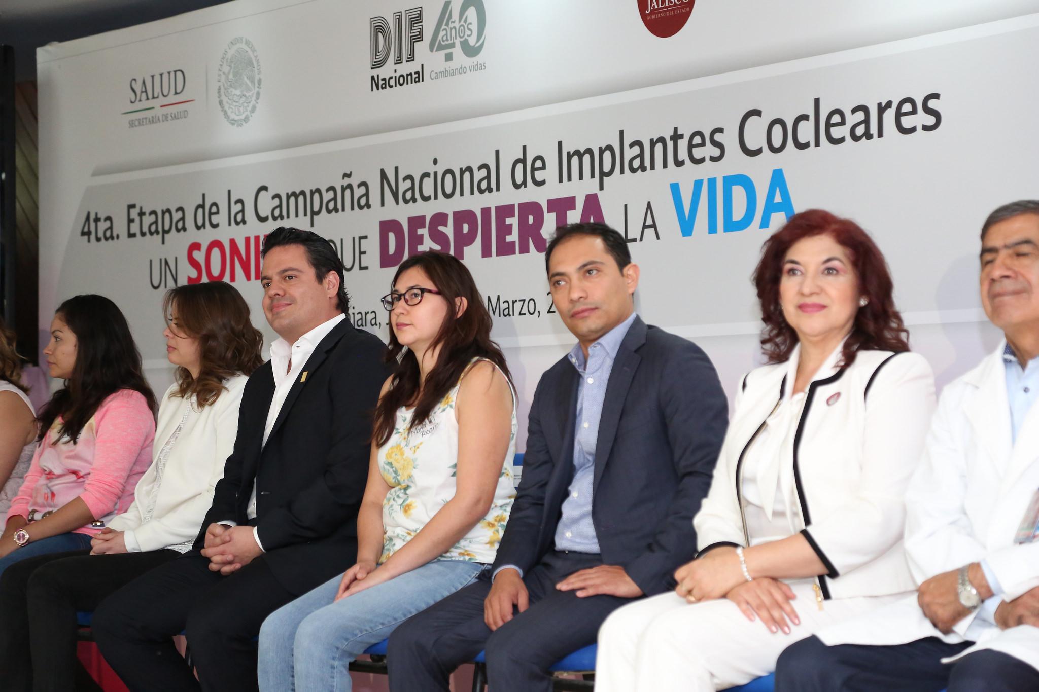 Photo of Niños jaliscienses escuchan por primera vez gracias a implantes cocleares