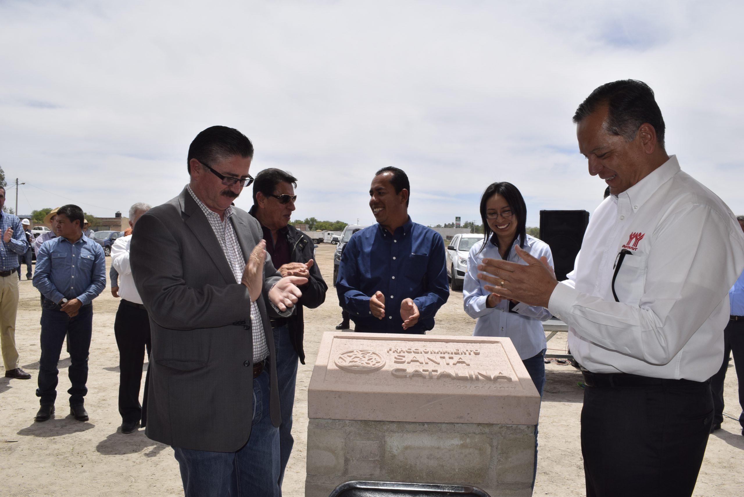 Photo of Colocan autoridades primera piedra para la construcción de un nuevo fraccionamiento