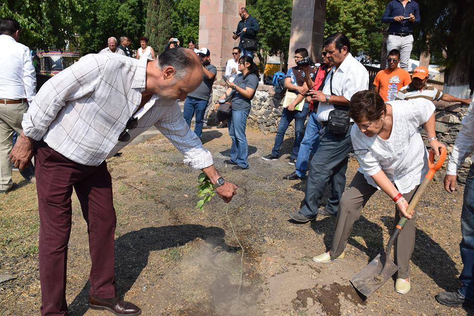 Photo of Autoridades conmemoran el Día Mundial del Medio Ambiente con reforestación