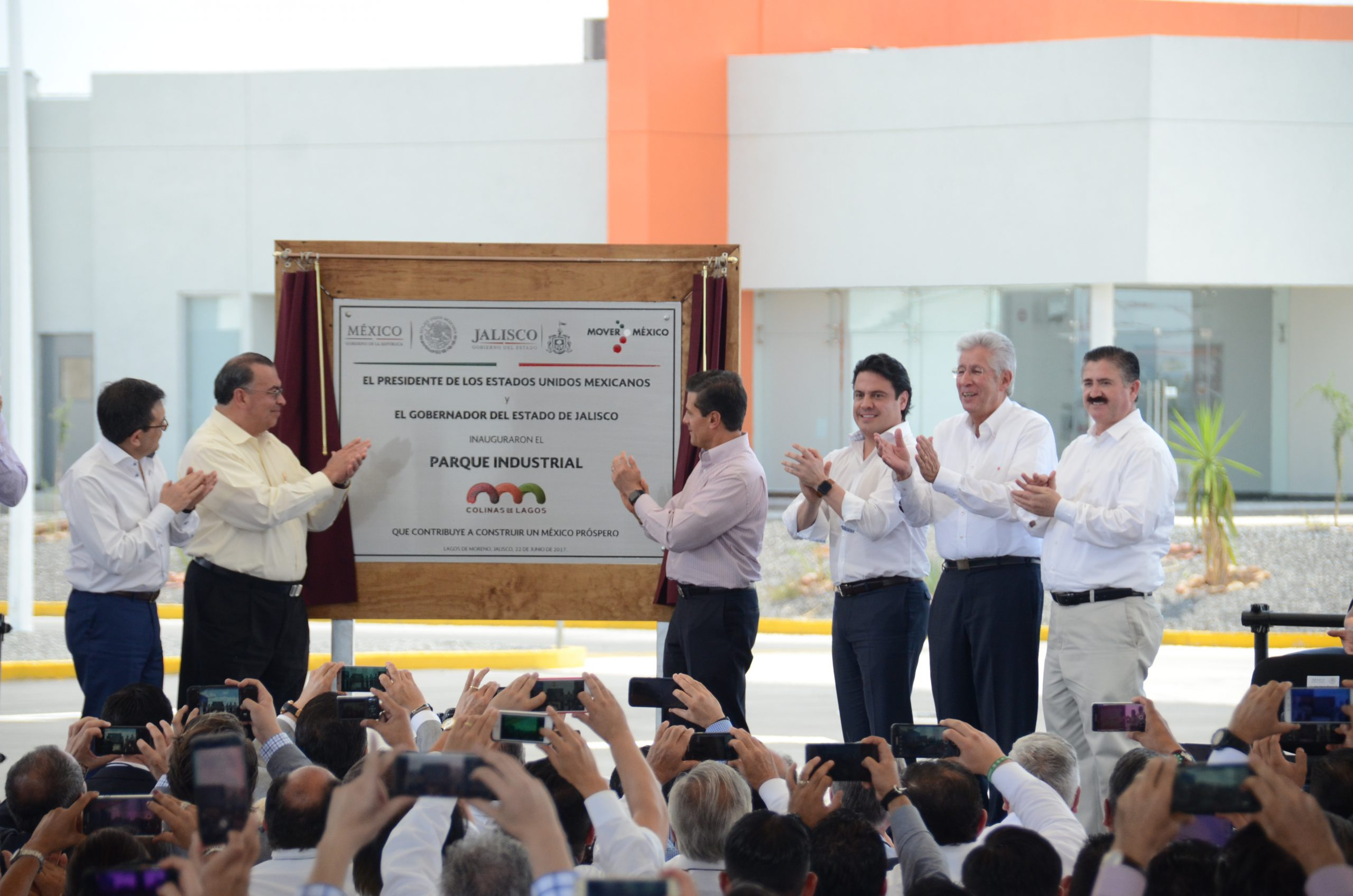 "Photo of Peña Nieto Inaugura el Parque Industrial ""Colinas de Lagos"""