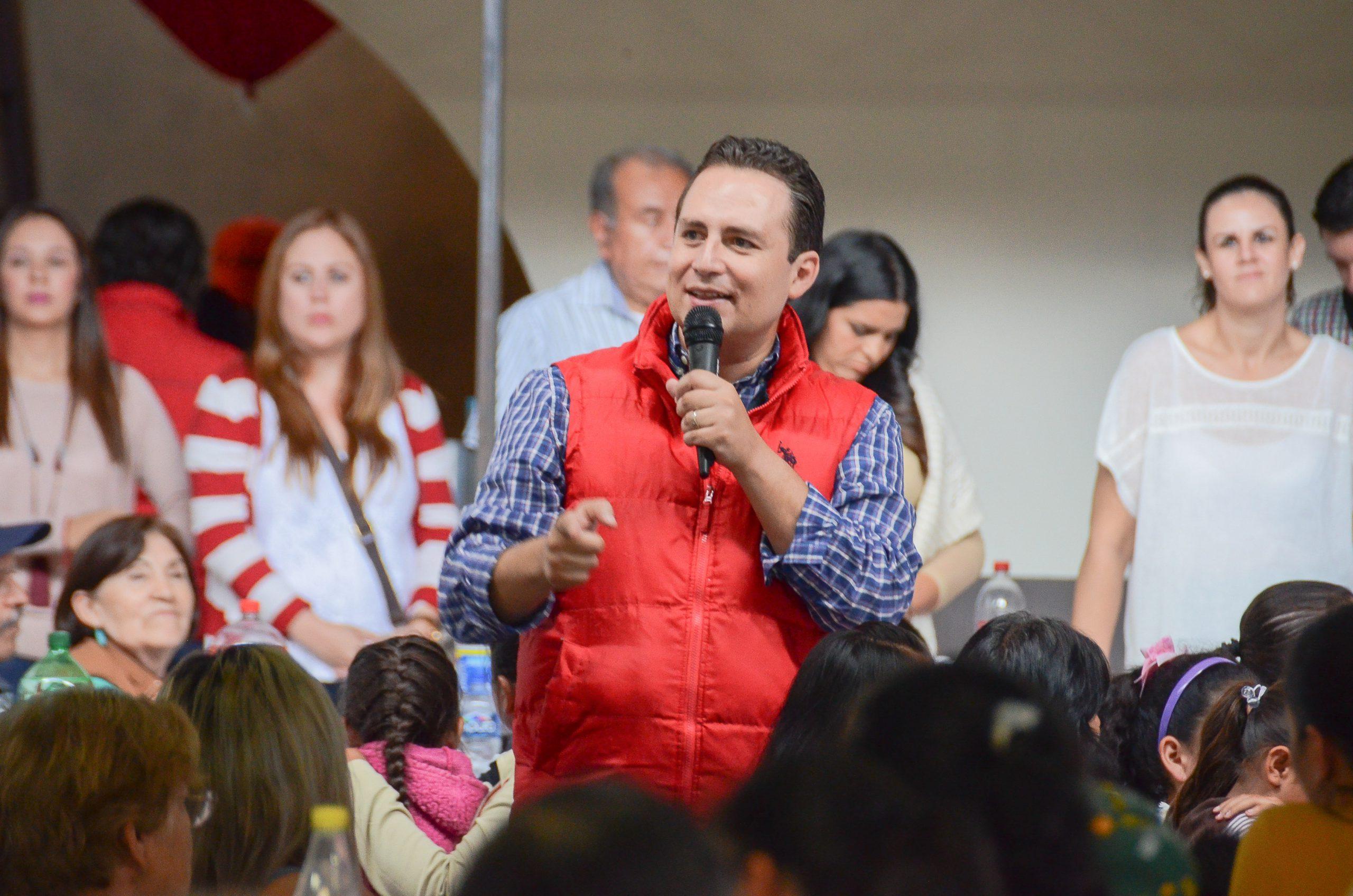 """Photo of El Diputado Hugo René visitó la Delegación de """"El Puesto"""""""