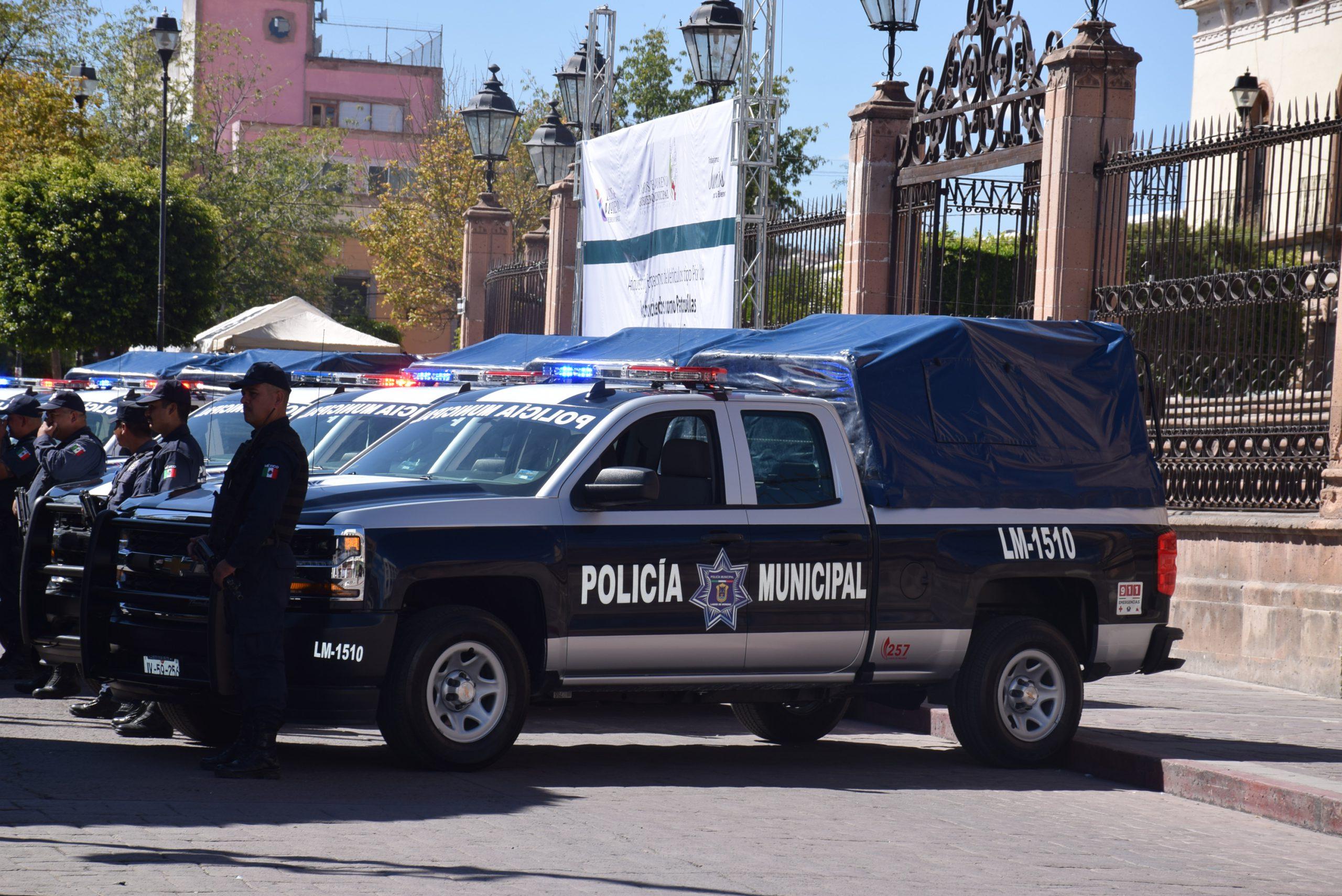 Photo of Entregan 5 patrullas nuevas a Seguridad Pública
