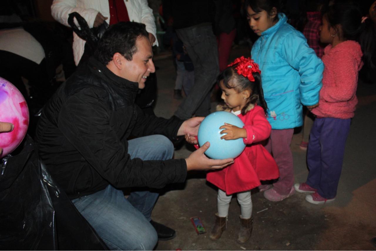 Photo of Hugo René lleva posadas a 30 colonias y barrios.