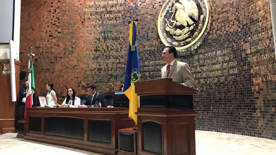 Photo of Hugo René emite posicionamiento de la bancada del PRI al informe del Gobernador