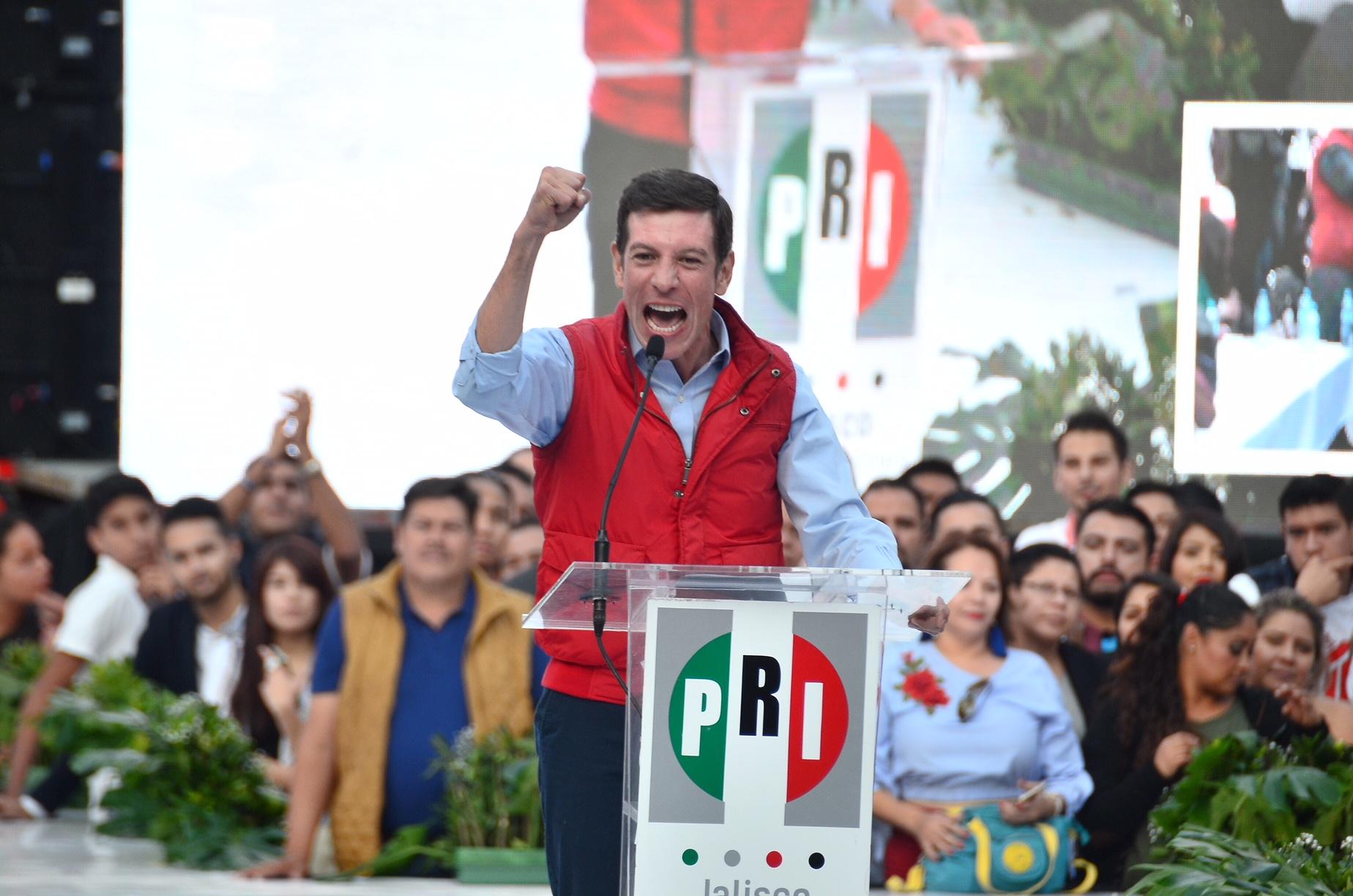 Photo of Miguel Castro es oficialmente el candidato del PRI a la gubernatura