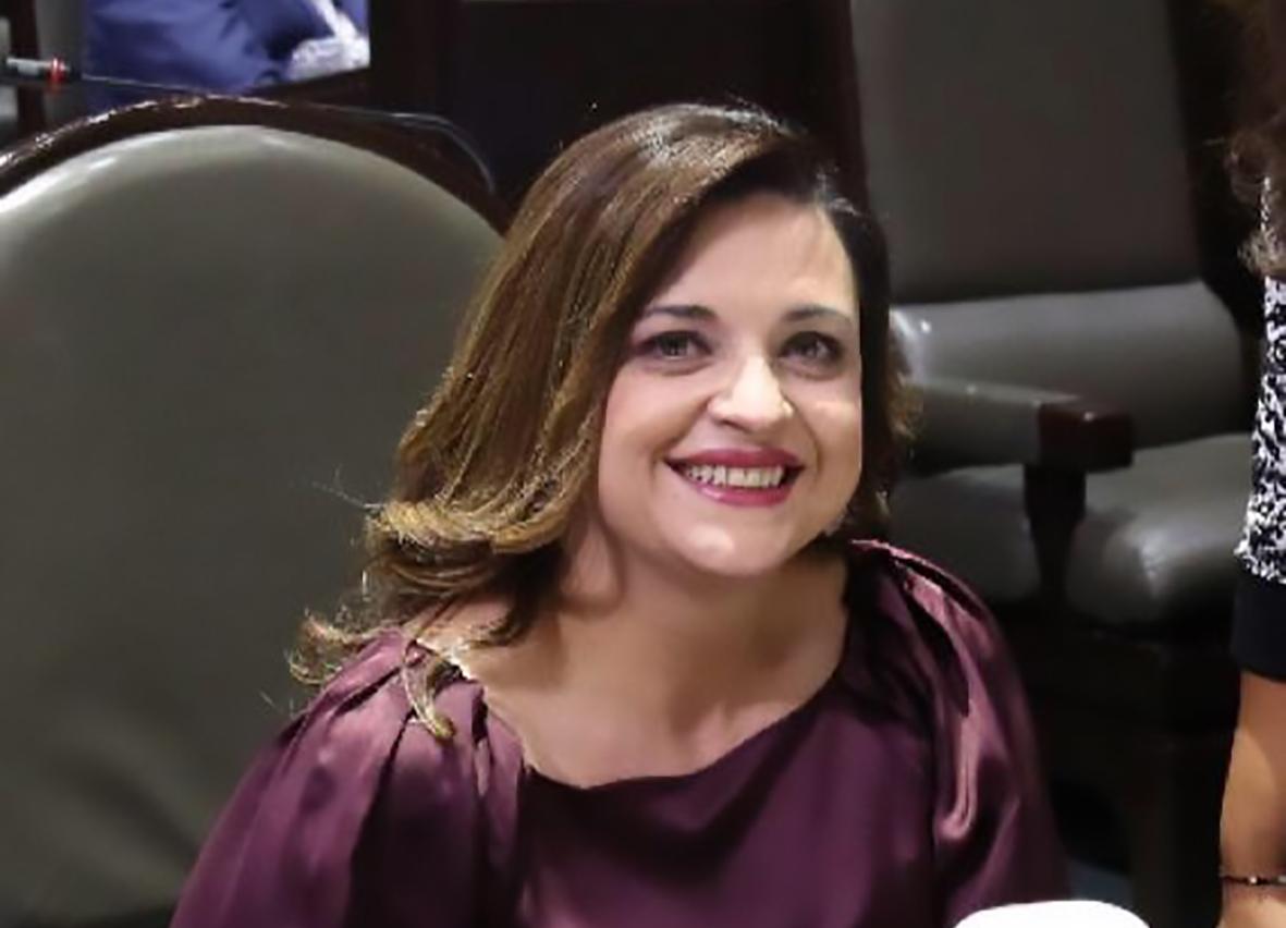 Photo of Pide Soraya Flores impartir cursos de Geriatría a Médicos Generales y Residentes
