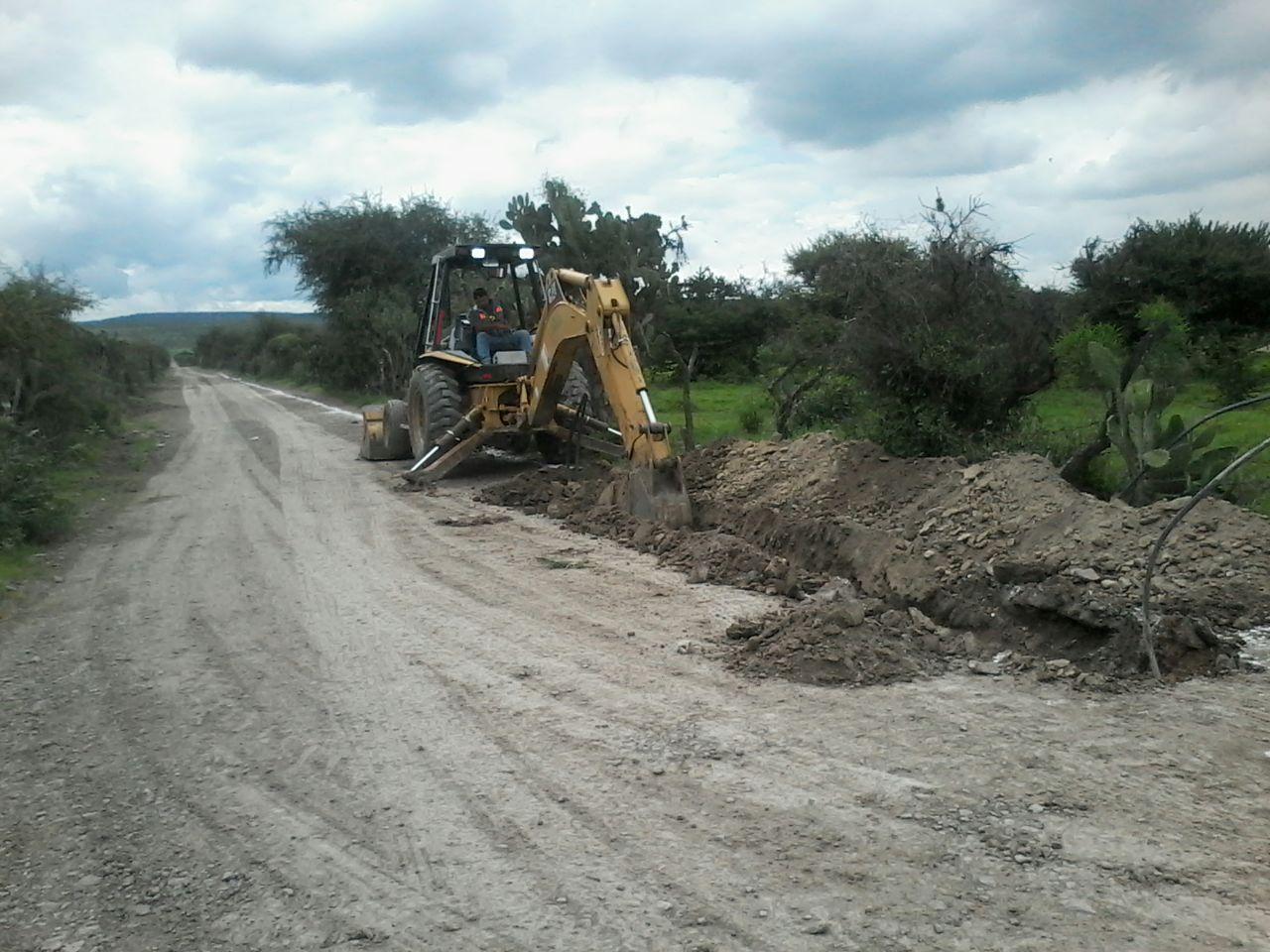Photo of Construyen tanque elevado en la comunidad de Las Mangas