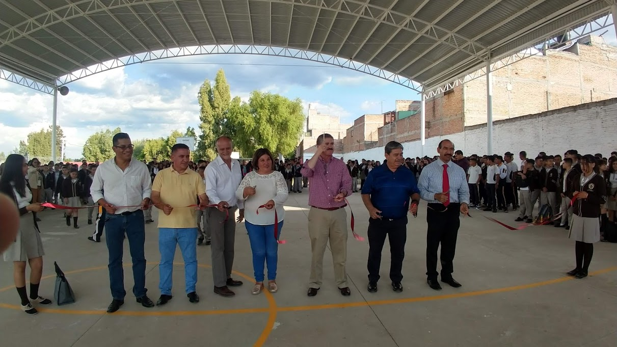 Photo of Entrega Alcalde obras en varias escuelas del municipio
