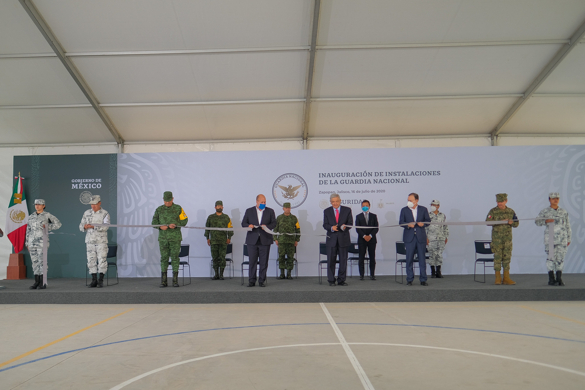 Photo of Inauguran Alfaro y AMLO base de la Guardia Nacional en Zapopan