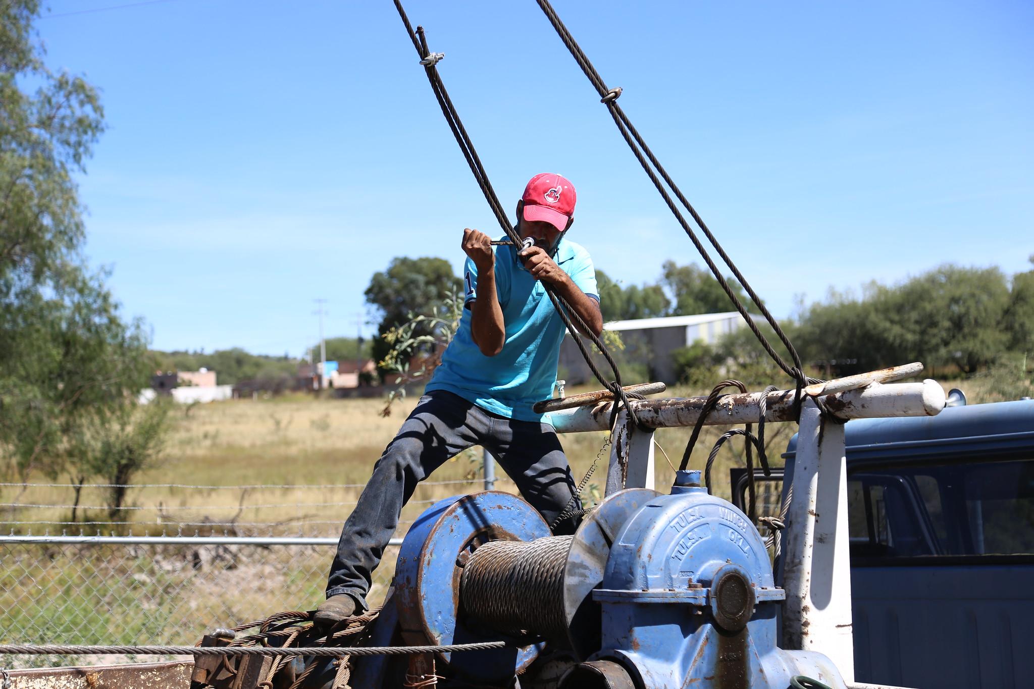 Rehabilitación de líneas de agua y pozos
