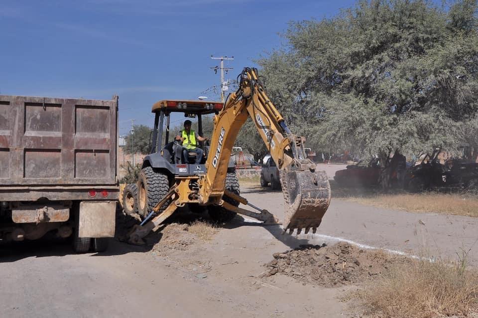 se dio arranque a obras importantes en la zona urbana, en los accesos al Plan de los Rodríguez, La Ladera y un circuito vial en La Palma.