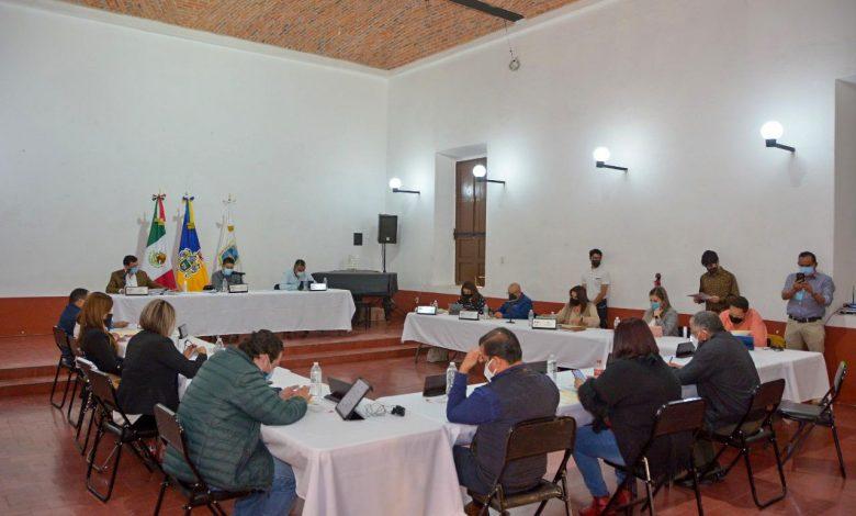 El Pleno del Ayuntamiento aprobó una serie de obras como la construcción, pavimentación y rehabilitación de distintas zonas urbanas y rurales del municipio.