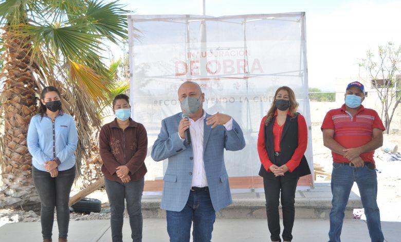 La entrega de obras arrancó en la telesecundaria Juan Escutia de la comunidad de El Maguey